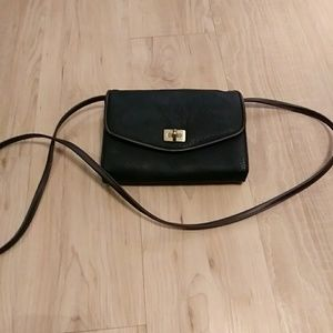 Handbags - Vegan leather Crossbody with lots of compartments